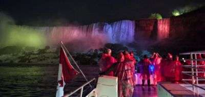 niagara falls attractions outing | niagara falls trip | niagara falls deals for trip | niagara falls activities | weekend trips for niagara | niagara fallsview bus | niagara falls outing tour