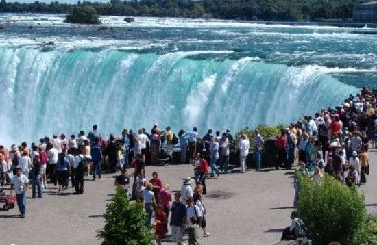 niagara falls | niagara falls cruise | niagara cruises | cruise trip for niagara falls | best cruise bus in niagara falls | niagara on the lake | journey behind the falls | visiting niagara falls | niagara family vacation | niagara falls canada attractions tour